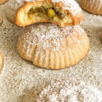 maamoul date filled cookies