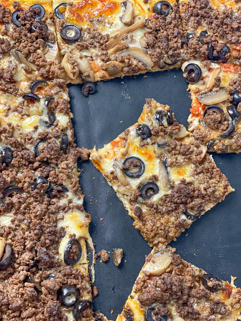 One bite of this Spicy Ground Meat Pizza will have you on cloud 9
