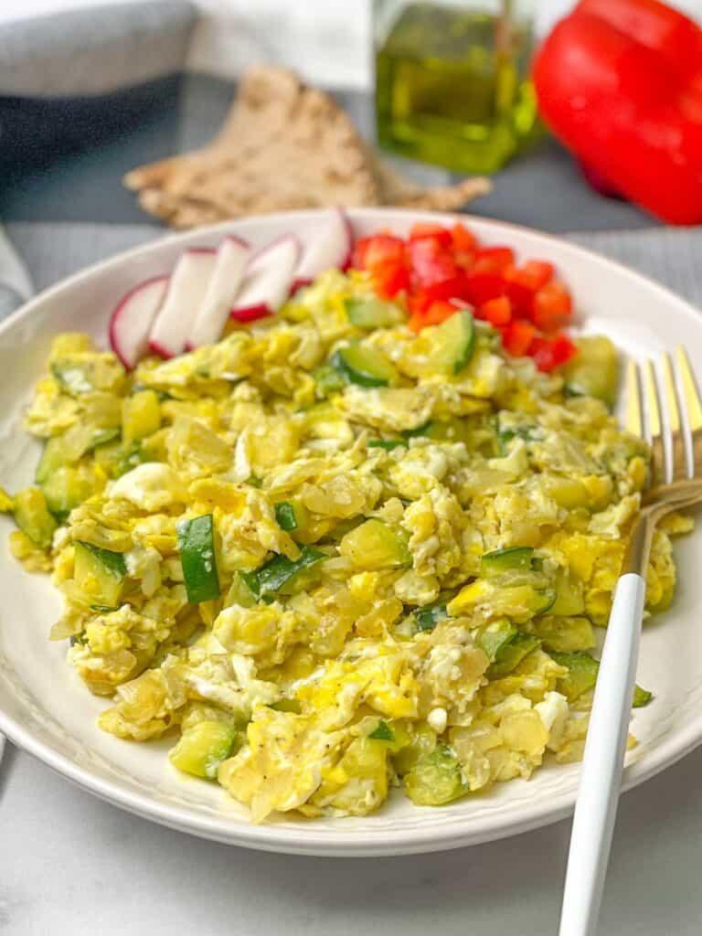 Zucchini Scrambled Eggs Skillet kousa w beid